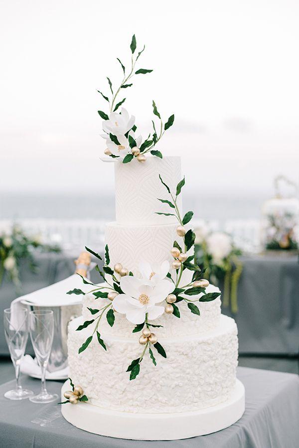 Elegant Modern Wedding In Zakynthos Mary Louise Nikos Chic Stylish Weddings Elegant Modern Wedding Modern Wedding Cake Elegant Wedding Cakes