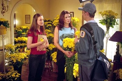 Gilmore Girls- 1,000 yellow daisies <3
