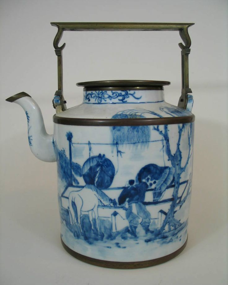 Chinese antique blue and white porcelain teapot, 18th century.