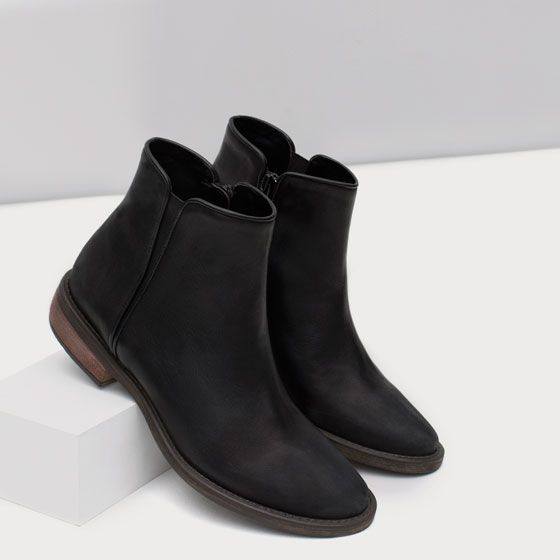 FLAT LEATHER ANKLE BOOTS | Zara