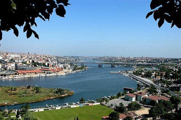 Visite de la Corne d'or à Istanbul, faire une croisière sur la Corne d'Or, faire un tour en téléphérique à la colline Pierre Loti à la Corne d'Or à Istanbul