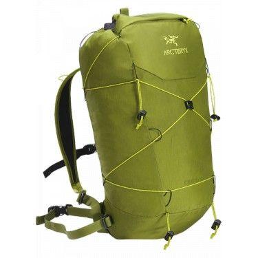 Ekstremalnie lekki plecak zaprojektowany z myślą o szybkich alpejskich wspinaczkach i wspinaczce zimowej.