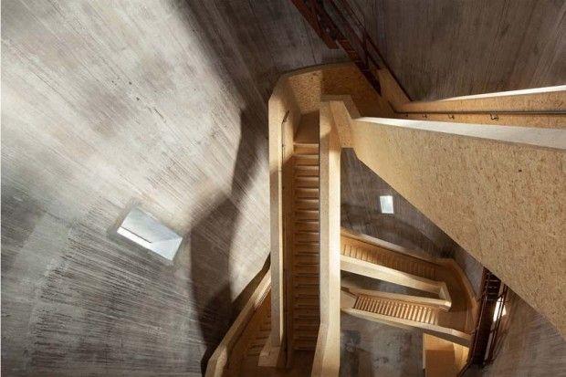 Watertower Sint Jansklooster par Zecc Architects --- transformation d'un ancien château d'eau en un parcours architectural qui mène à un belvédère