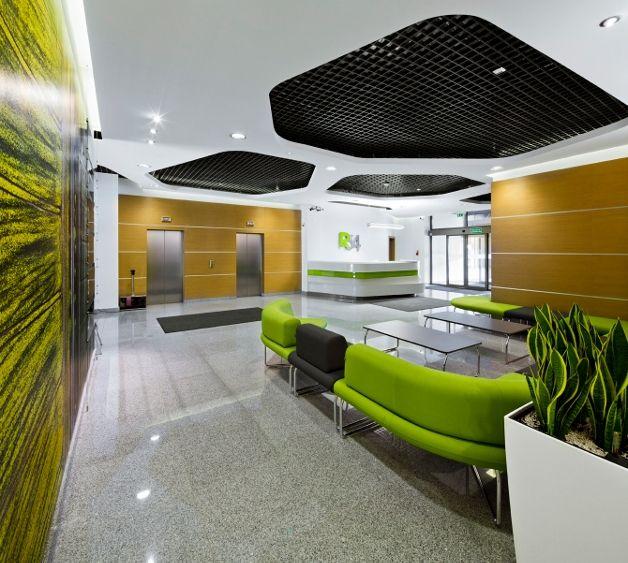 Projekt i realizacja strefy wejściowej w biurowcu R 34 Warszawa / Design and realization of the entrance area in the office building in Warsaw