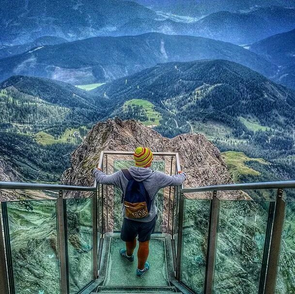 Skywalk, Dachstein, Austria, espectacular vista de las montañas desde lo alto