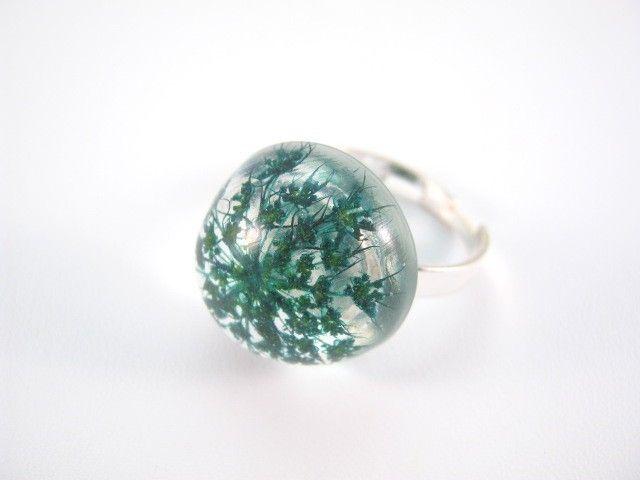 Ring - Flowers of Carrot preserved in resin.   http://en.dawanda.com/product/42462378-Ring---Karotte---Silber-925
