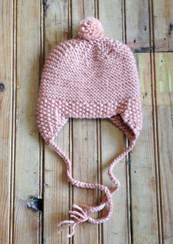 Gorrita tejida de lana pura Pom Pom CORAL tejido a mano
