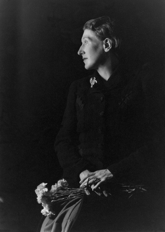 elizabeth bowen the parrot