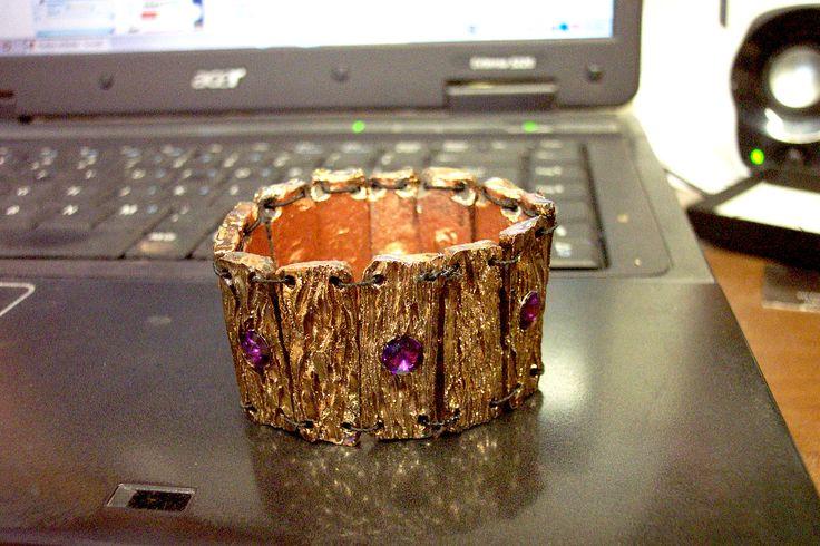 http://www.forgiatoredielementi.it/gallery-container.php?type=bracciali-in-ceramica-raku