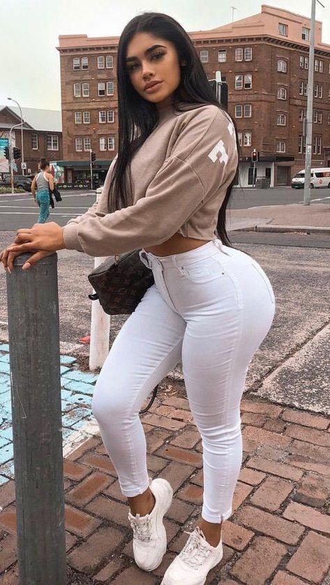 89fc3a955262 Pin di ambra gratti su jeans nel 2019