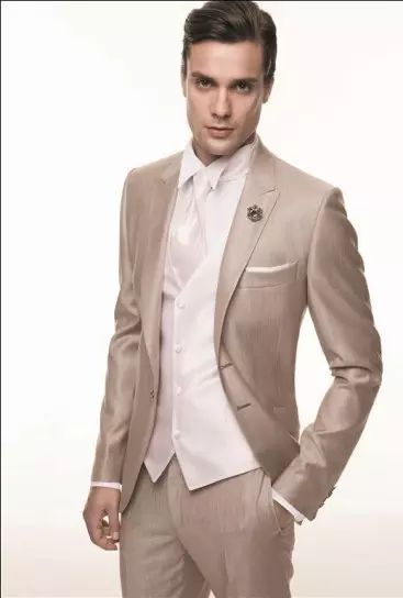 Slim Fit Groom Tuxedos Champagne Groomsmen Peak Lapel Best Man Suit/Bridegroom/Wedding/Prom/Dinner Suits Jacket+Pants+Tie+Vest K594 White Tie Formal Bright Colored Tuxedos From Wholesalers888, $76.39| Dhgate.Com
