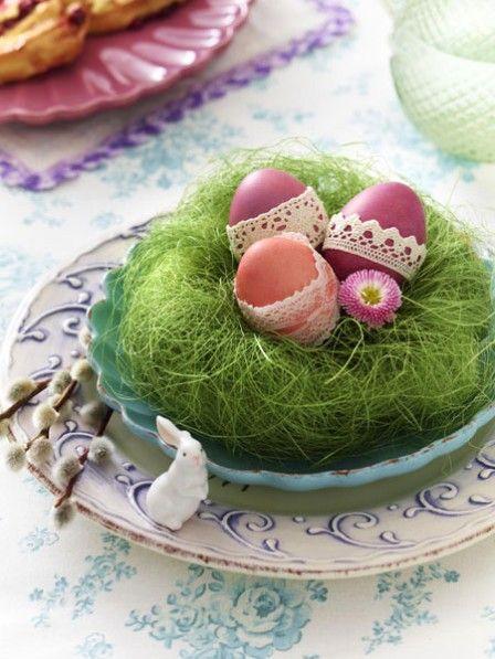 Wir präsentieren Ihnen jetzt ein paar originelle Bastelideen für Ostern in der Farbe der Hoffnung, die garantiert Oster-Flair in Ihre vier Wände bringen.