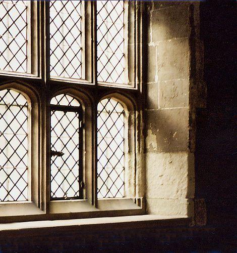 Tudor window / Hampton Court Palace
