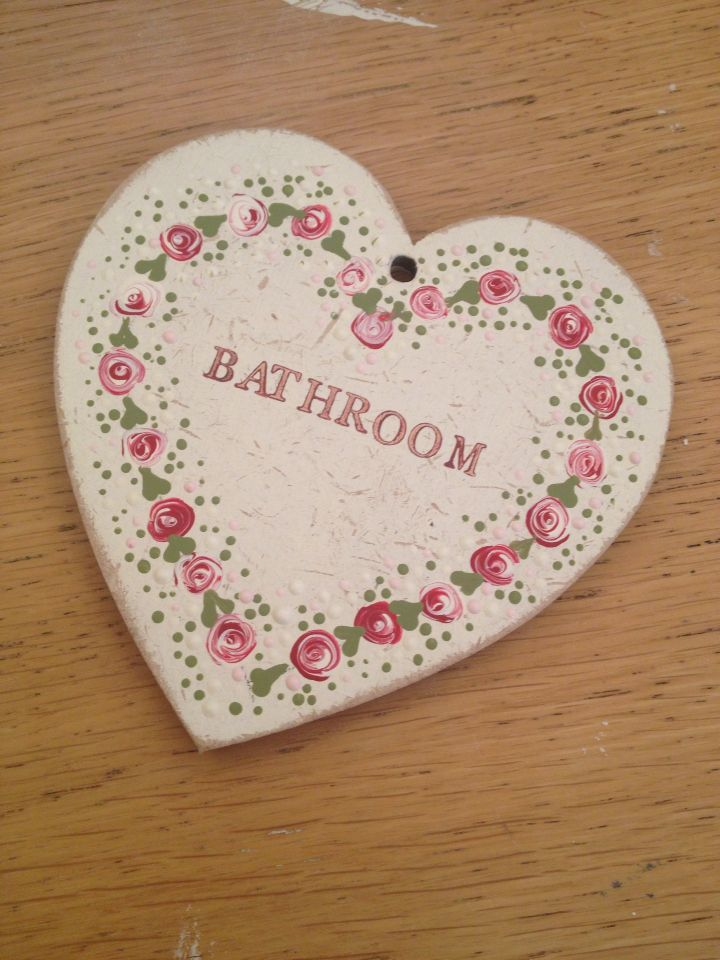Toni's turned her Starter kit hanging heart into a door plaque for her bathroom…
