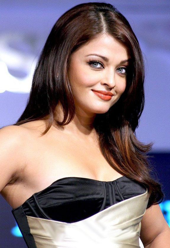 Aishwarya Rai Bachchan in  black and white gown