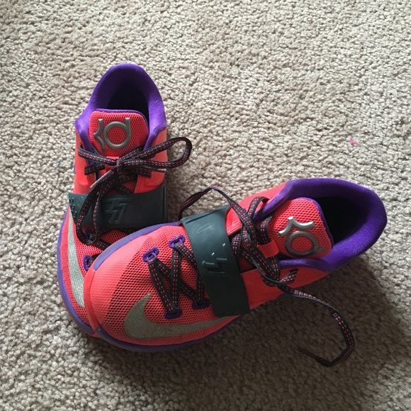 Kd sneakers Girls Kd sneakers. Gently worn still in good condition. Pretty colors for the spring. Nike Shoes Athletic Shoes
