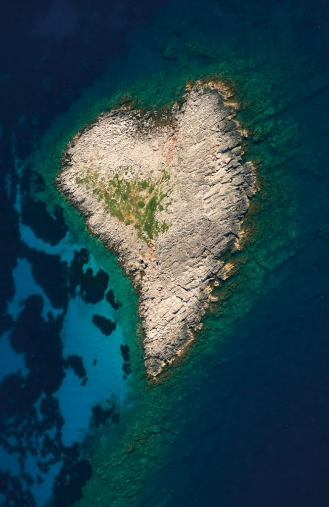 A heart-shaped islet south of the island Sapientza in Messinia - Greece #kitsakis