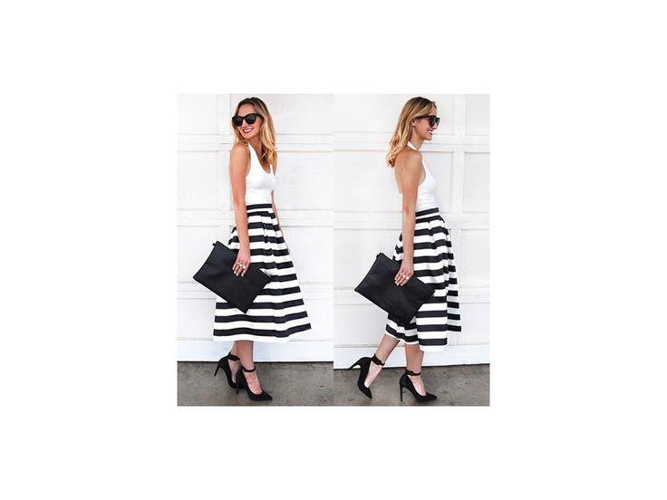 Mooda je místem pro stylové nákupy. Móda pro všechny, kteří chtějí být in a najít svůj vlastní styl.