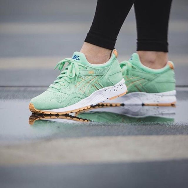 Sneakers femme - Asics Gel Lyte III April Showers Pack by @elevenstoreindonesia