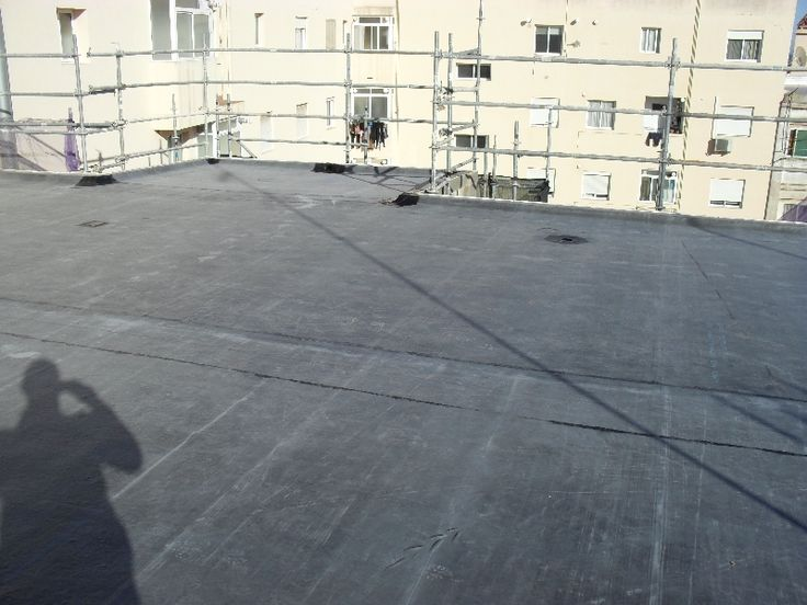 Impermeabilización adherida sobre tela asfaltica de aluminio en la malvarrosa(Valencia)