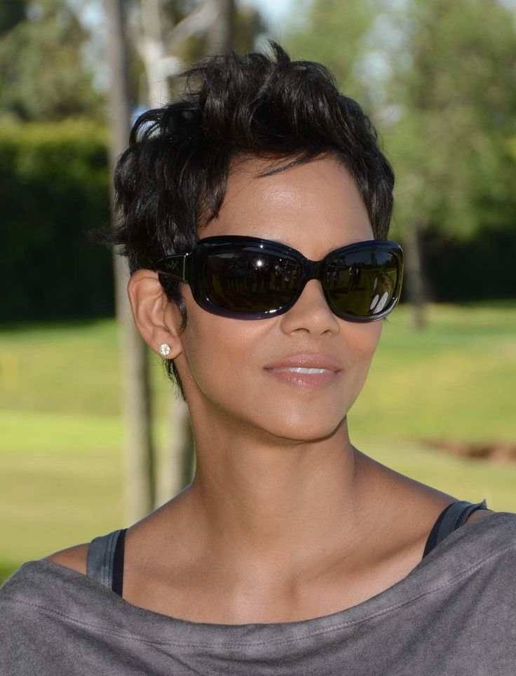 Halle Berry hair - time to chop it!