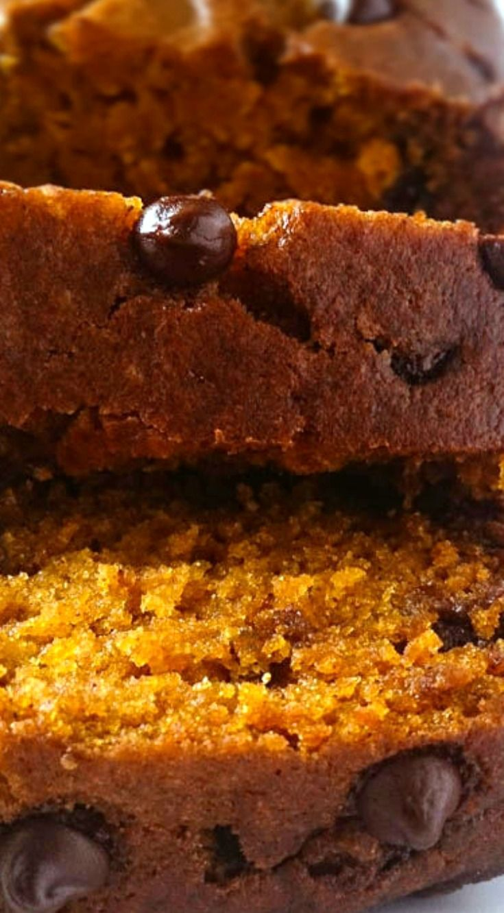 Pumpkin Chocolate Chip Bread ~ Deliciously moist and tender spiced pumpkin bread loaded and dotted with chocolate chips!
