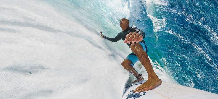 Kelly Slater King Kelly  Né 11 février 1972 Cocoa Beach (Floride) Taille 1,75 m (5′ 9″) Poids 72 kg (158 lb) Victoires - 68 dont en WCT - 55 Titres - 11