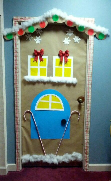 Gingerbread cubicle gingerbread house for door Cubicle bulletin board ideas