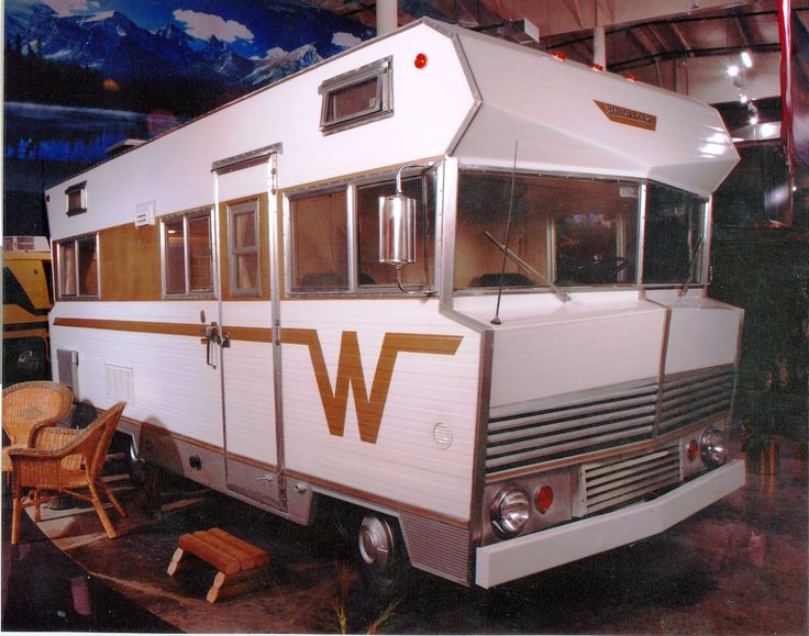 1967 Winnebago 19' motor home located at the RV/MH Hall of ...