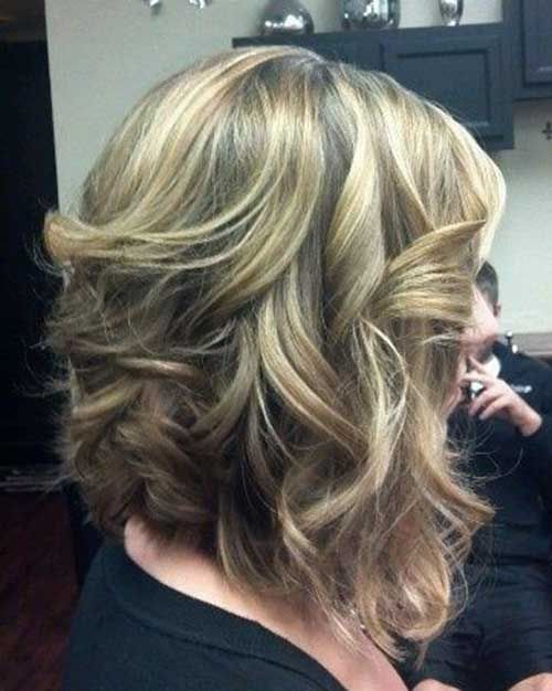 10 Short Hairstyles for Thick Wavy Hair | http://www.short-haircut.com/10-short-hairstyles-for-thick-wavy-hair.html