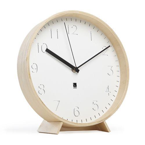 Horloge murale ou à poser en bois Umbra