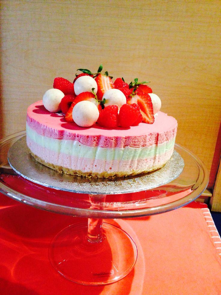 Summer cheesecake for Tashies birthday 2015