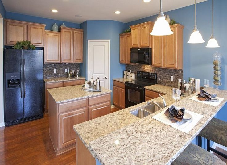 pulte homes kitchen cabinets blue walls cabinets and marbled granite are a 25006