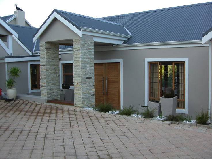 Situated walking distance from the renoun Simola Golf Course, and hidden perfectly between nature and civilization this property makes for easy living at its best.  Consisting of three spacious bedrooms and two modern bathrooms, large open plan lounge, dining room and kitchen which leads unto the large under cover patio with built in bar and jacuzzi.  R1700 000 Call James on 0785523124
