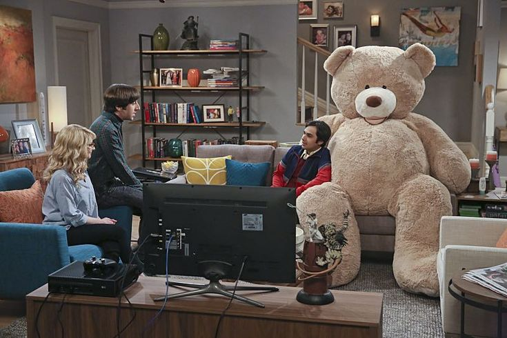 """The Big Bear Precipitation S9#20 : Howard """"Just the two of us are having the baby. """" Raj struggles with getting the bear out of the house, knocking over everything - """"Pls Bernadette, let me leave with my dignity."""""""