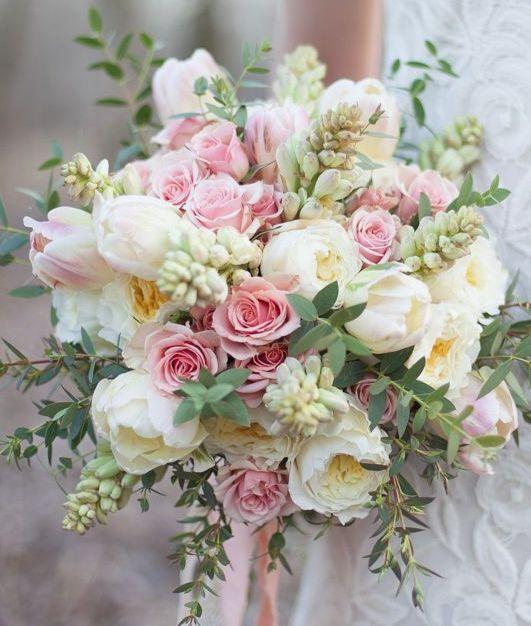 Wedding bouquet idea; Featured Photographer: Olivia Ashton Photography