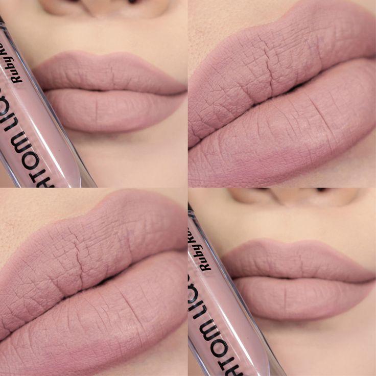 Esse é o 280, um nude rosadinho claro, quase do tom da boca mesmo. É uma cor linda e elegante para usar em qualquer ocasião.