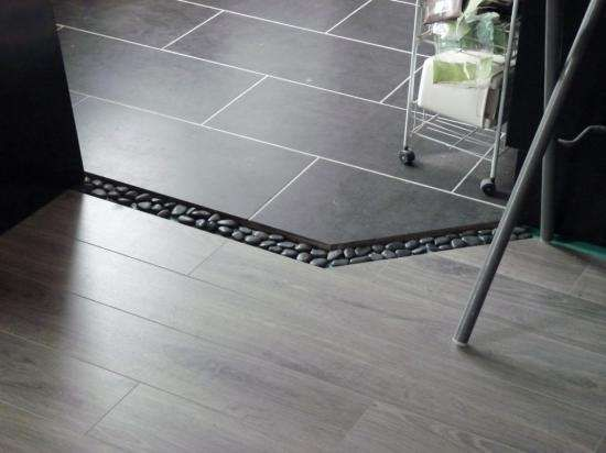 Les 25 meilleures id es de la cat gorie joint carrelage for Carrelage qui se colle