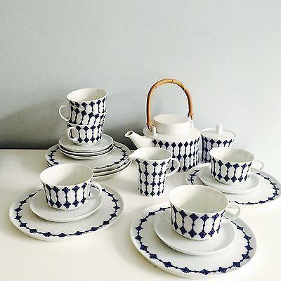 die besten 25 teeservice ideen auf pinterest vogelfutter teekanne mit tasse und teekanne. Black Bedroom Furniture Sets. Home Design Ideas