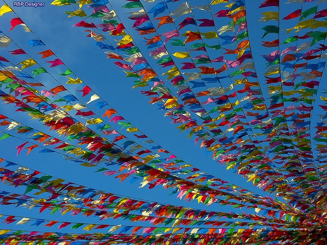 Festas Juninas (June Feasts) in Brazil are SO colorful and fun!!! With lots of typical food, also music, costumes, decoration, games... can't wait!!  #flags #brazil #festajunina