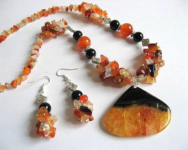#Set #colier si #cercei #pietre #agate si #onix pietre #semipretioase - #culori pietre:  negru, portocaliu, gri, galben - #lucrate #manual - #bijuterii #femei