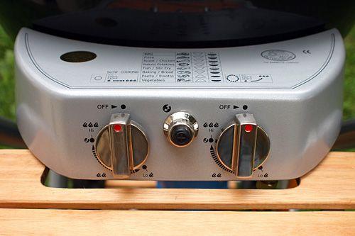 Gril Ascona se může pochlubit dvěma hořáky! Ty využijete především pro dosažení opravdu vysoké teploty a zároveň při pomalém pečení!
