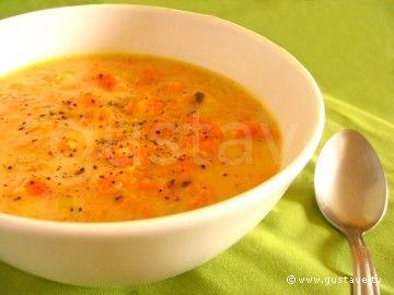 Potage normand aux légumes d'automne/ 1 kg potiron,1 pdt, oignons, 2 oignons, 1 poireau, 1 carotte, 75 cl de lait, 75 cl de bouillon ( boeuf ou volaille), 3 CS de crème fraîche, 1 CS d'huile, sel et poivre