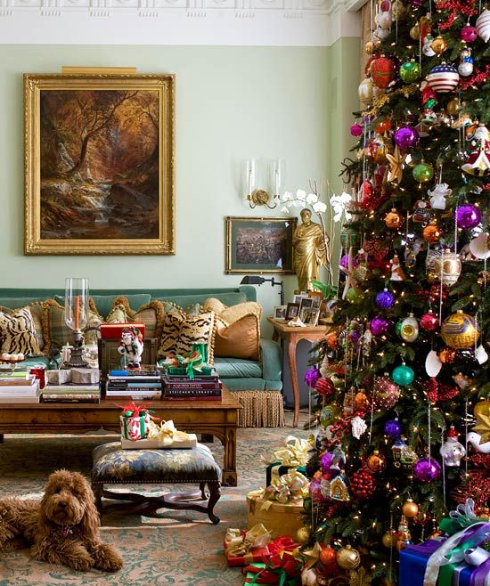 Traditional Home Christmas Decorating: 1000+ Images About Ornament Display On Pinterest