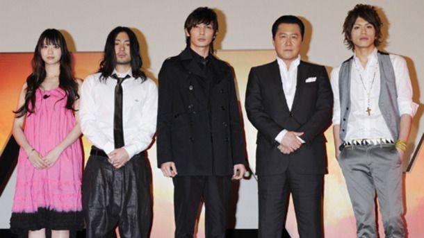 『MW-ムウ-』完成披露試写会。(左から)山下リオ、山田孝之、玉木宏、石橋凌、山本裕典