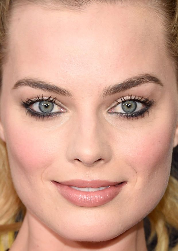Close-up of Margot Robbie at the 2016 premiere of 'Whiskey Tango Foxtrot'. http://beautyeditor.ca/2016/03/10/best-beauty-looks-holland-roden
