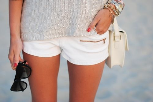 White shorts.: Outfits, Sweater, White Shorts, Fashion, Style Inspiration, Clothes, Street Style, Dress, Spring Summer