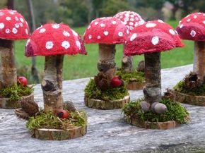 Hübsche Pilz Tischdeko Die Pilze auf dem Bild wurden mit Filztechnik gemacht und danach den Filz auf eine Styroporkugel geklebt. Alternative für solche die nicht Filzen wollen. Mit Salzteig können Sie die schönsten Pilze formen. Hier ist der Fantasie kein