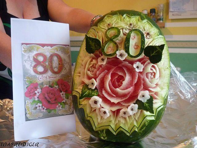 die besten 25 melone schneiden ideen auf pinterest wassermelone schneiden eine wassermelone. Black Bedroom Furniture Sets. Home Design Ideas