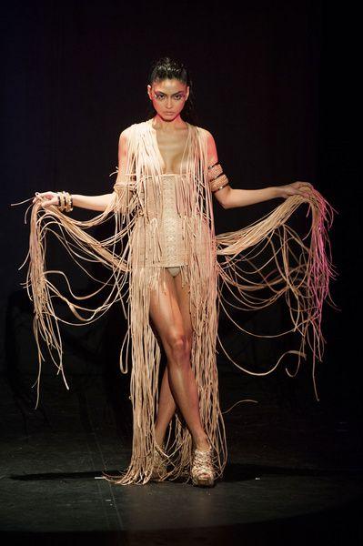 Haute Couture SS 2014 – Serkan Cura See all fashion show on: http://www.bookmoda.com/sfilate/haute-couture-ss-2014-serkan-cura/#imgID-70404 #hautecouture #spring #summer #catwalk #womansfashion #woman #fashion #style #look #collection #SS2014 #serkancura #fashionshow